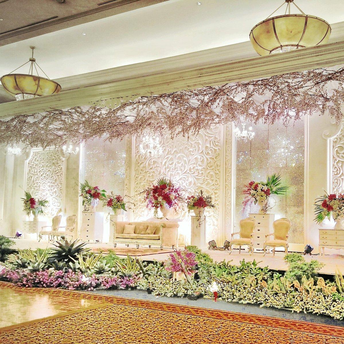 Tiara dekorasi abadi tiaradekorasi twitter pelaminan wedding decoration weddingdecoration dekorasi pernikahan dekorasipernikahan bridemaidspicitter1vdnt24mpu junglespirit Choice Image