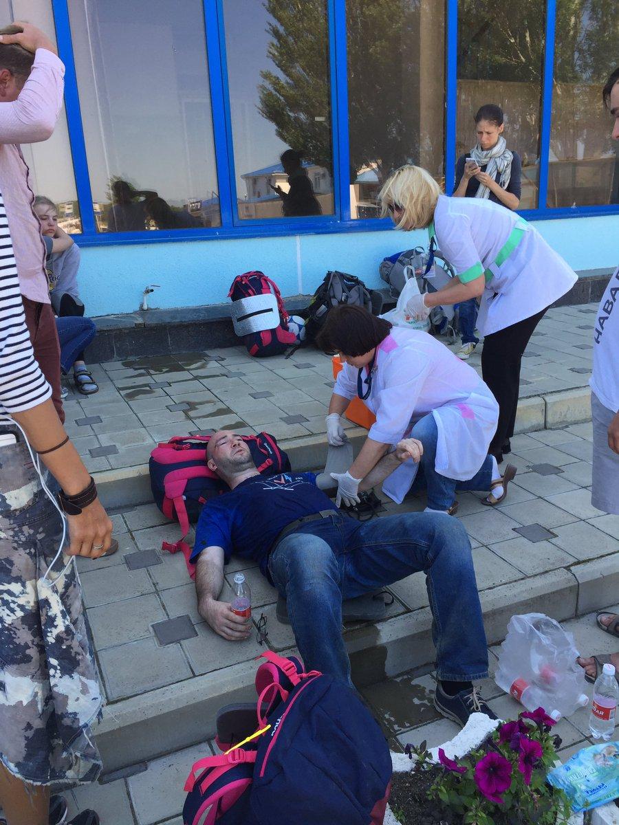 Анапа 17 мая 2016 - нападение на Навального. Казаки