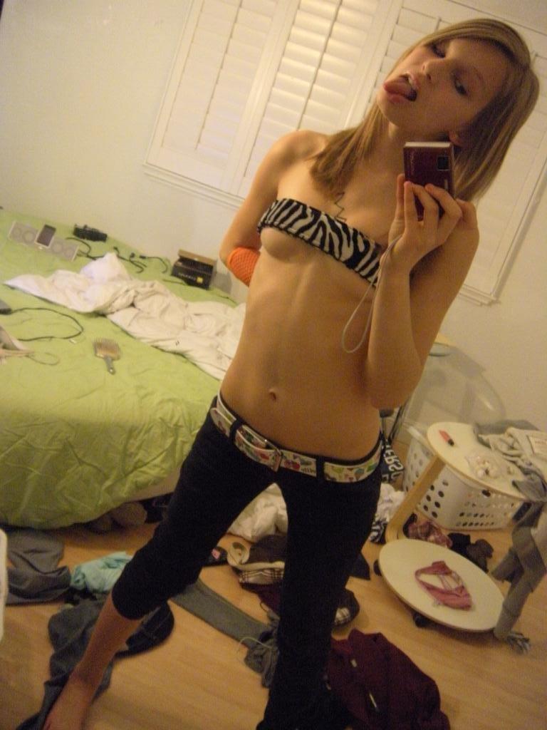 Amateur skinny teen cute ass