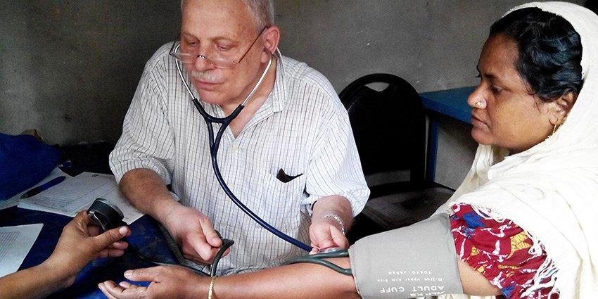 Wiedereröffnung unseres Projektes in #Dhaka durch Einsatzarzt Dr. Aymanns https://t.co/6HxA8mL5Le https://t.co/Sxa6Xq7xWb