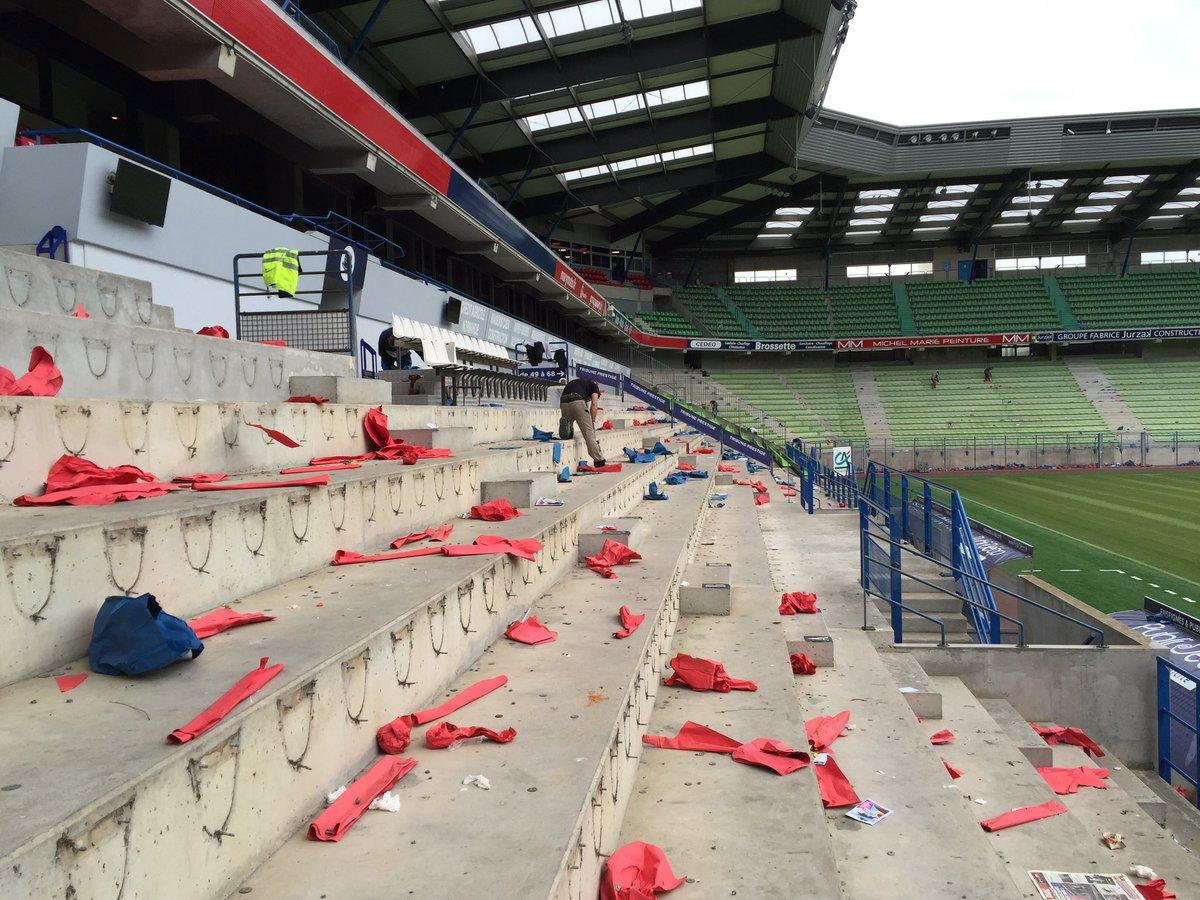 Le stade Michel d'Ornano - Page 6 CiqNOHaWUAA1fv4