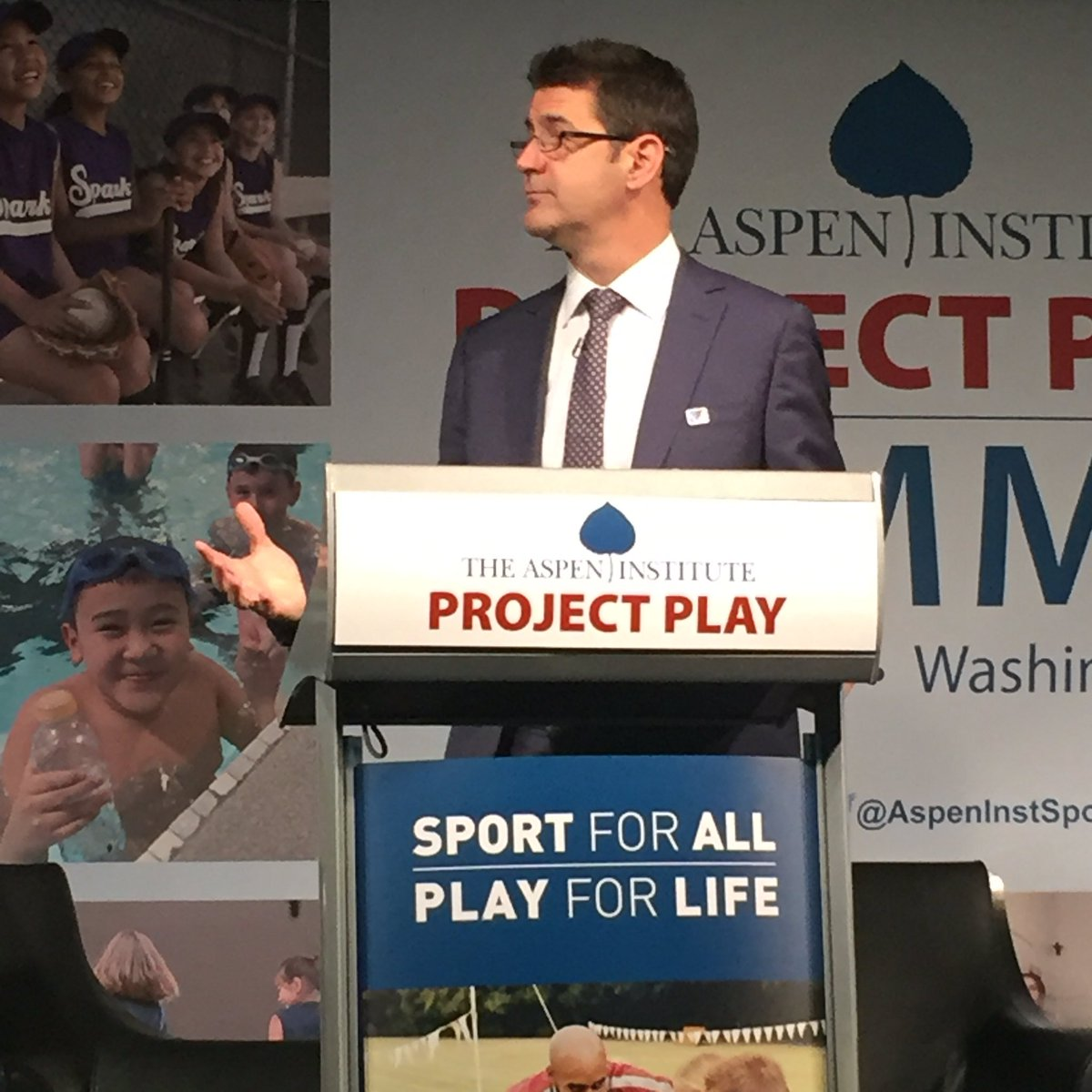 """How well are we doing at getting kids active though sport"" - @TomFarrey #ProjectPlay https://t.co/nLmr3VLwZX"