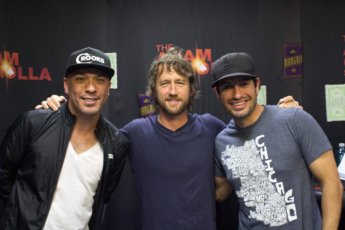 .@foofighters guitarist @ChrisShiflett71 jumps into The Koy Pond with @Jokoy! Listen: https://t.co/chxez13PzM https://t.co/eilmvmzMVP