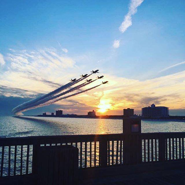 A4: A beautiful view of the @BlueAngels coming home on Sundays never hurts! :) #FLTravelChat photo:Nick Dosh https://t.co/ldAAVjRoRu