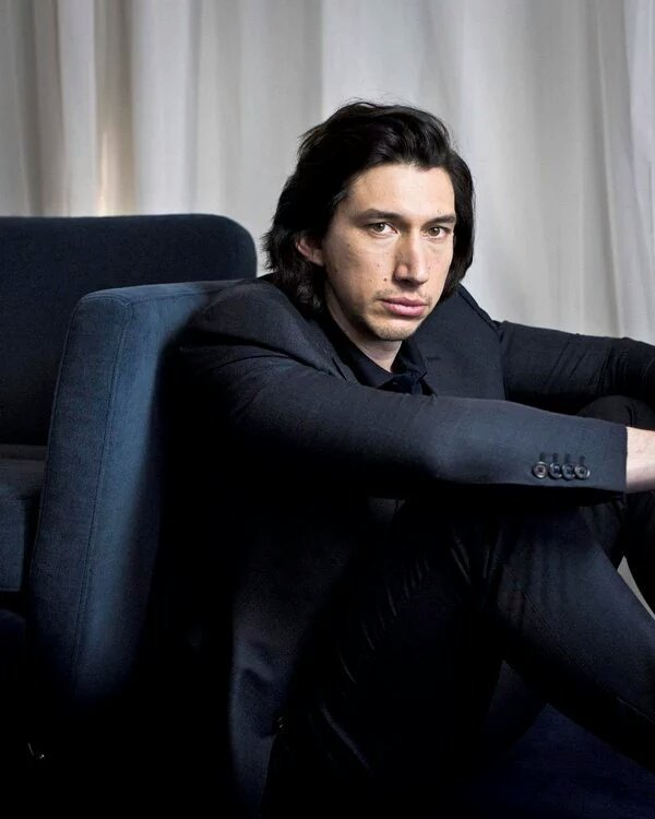 Adam Driver Image Thread - Page 6 CirVisNWEAApPW0