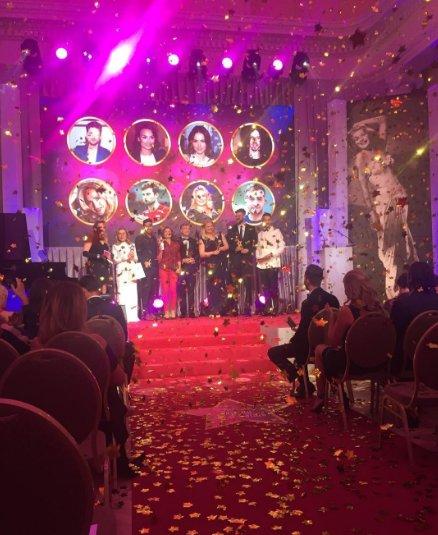 Piękny finał Wielkiej Gali Gwiazd Plejady! Gratulujemy wszystkim zwycięzcom oraz nominowanym! #plejada #galaplejady pic.twitter.com/WytlIuhe14