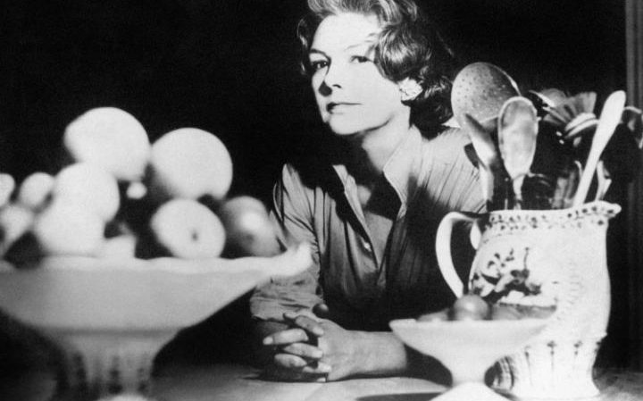 Today Elizabeth David is 1st food writer to get a blue plaque. Use #elizabethdavid & share a favourite ED recipe. https://t.co/dmqXqEi2l0