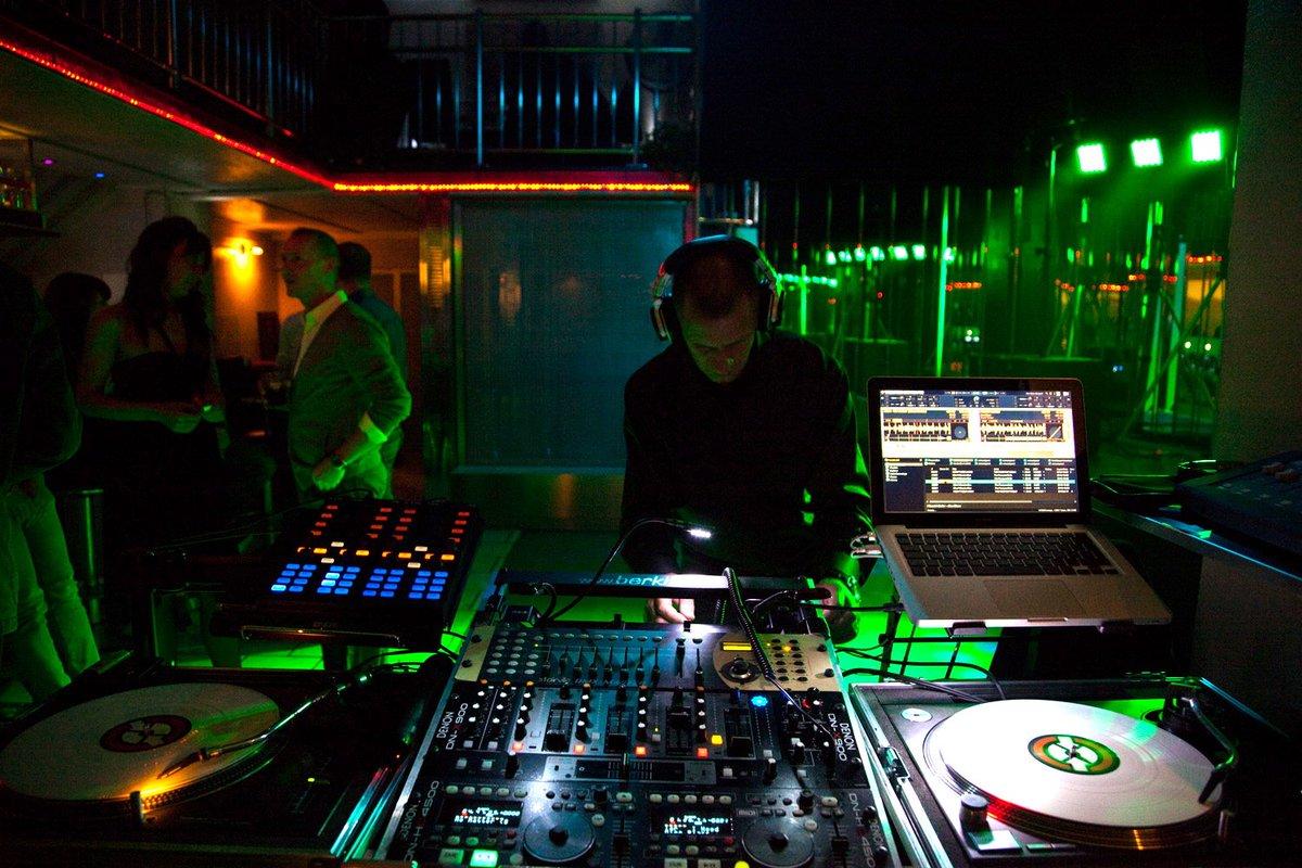 Musik, Moderation und Technik - gut aufgelegt mit DJ Frankie b., eure Partygarantie! https://t.co/TJVjyCXE67