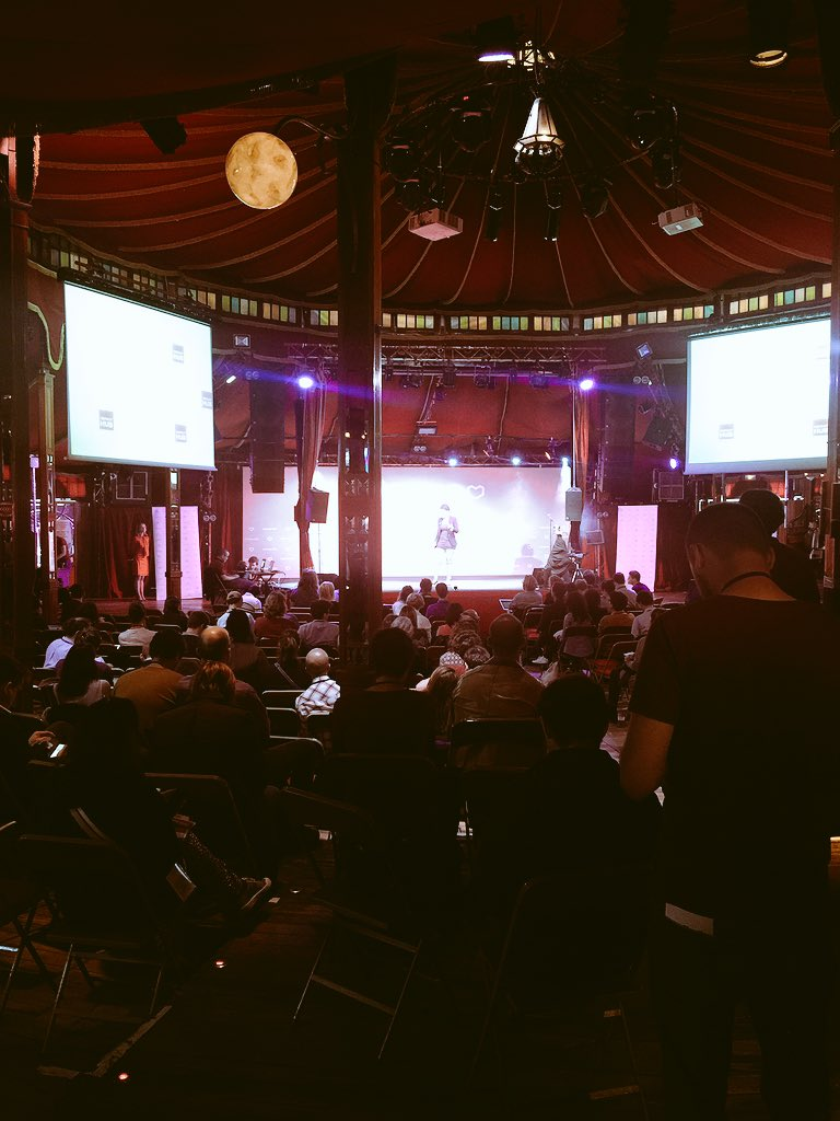 """We need to build a new model of social change beyond high growth products & service"" @ImmyKaur #ouisharefest https://t.co/MoIEiaQsQA"