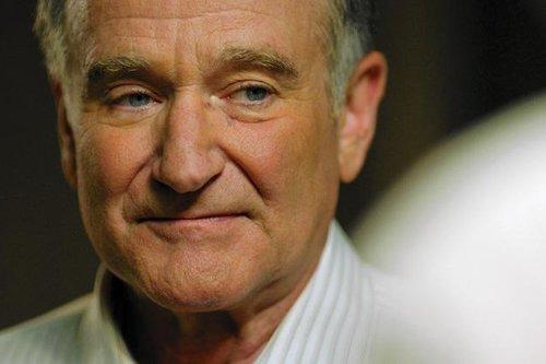 RT @Citazine Ce mercredi en salles, #Boulevard, l'adieu discret de Robin Williams au #cinema.  >> https://t.co/9Fd0sKpgac