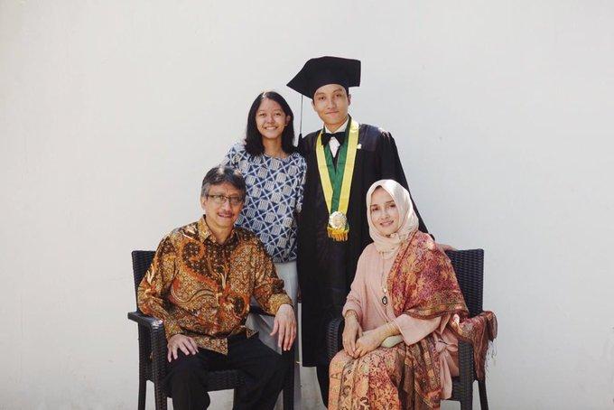 Rayhan dan keluarganya