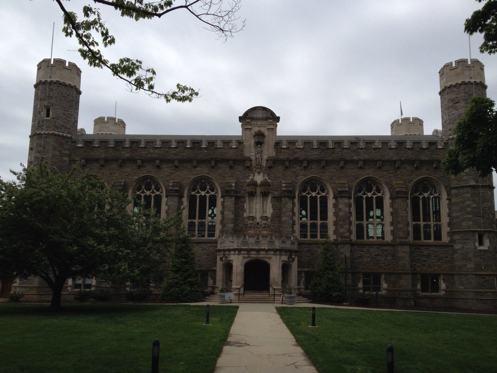 Thomas Library @BrynMawrCollege (for #BlendLAC16 https://t.co/cpOZMC3JOw