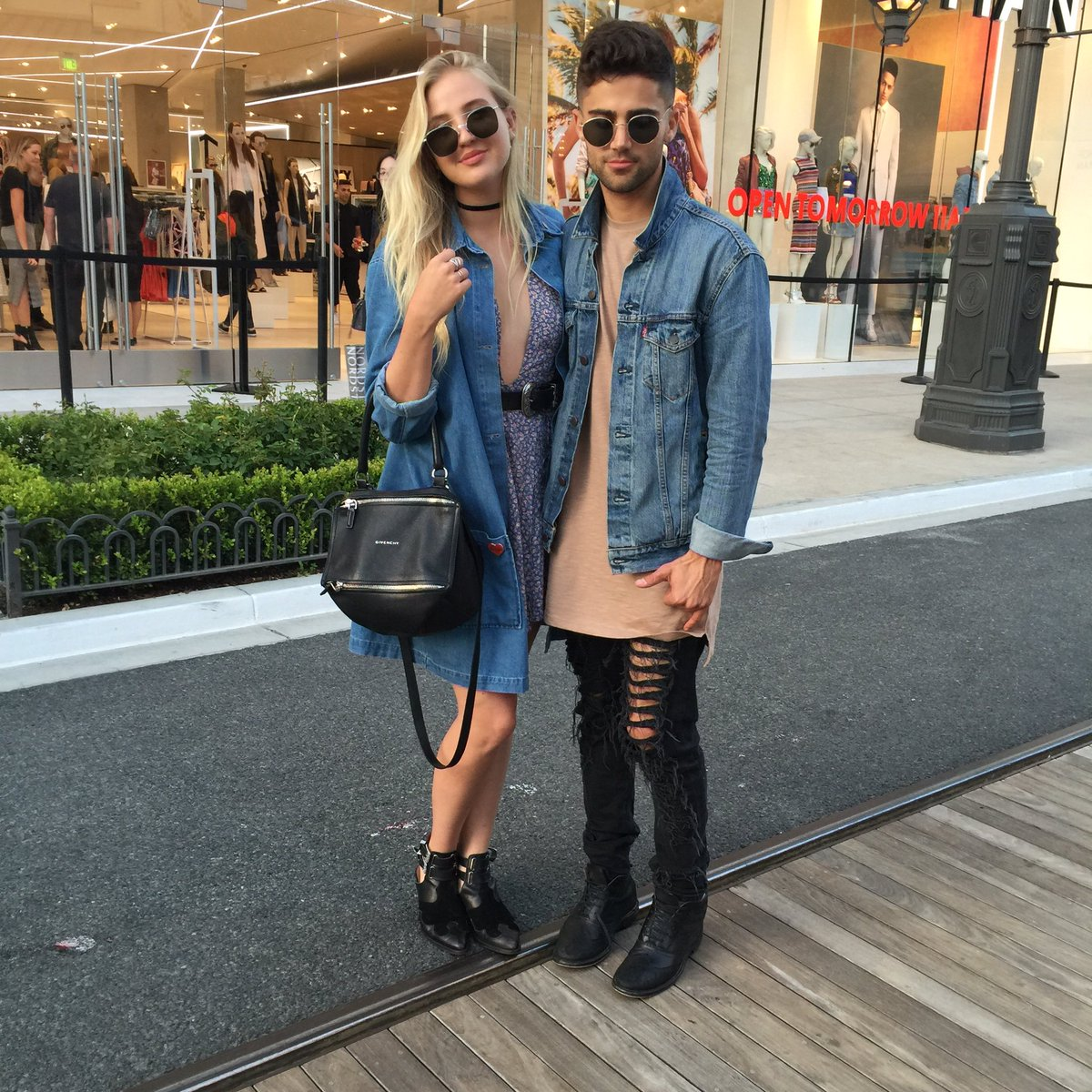 THE couple of the century going hard at our Glendale Topman & Topshop premier party! @maxehrich @veronica_dunne https://t.co/Vw5B6fODyC