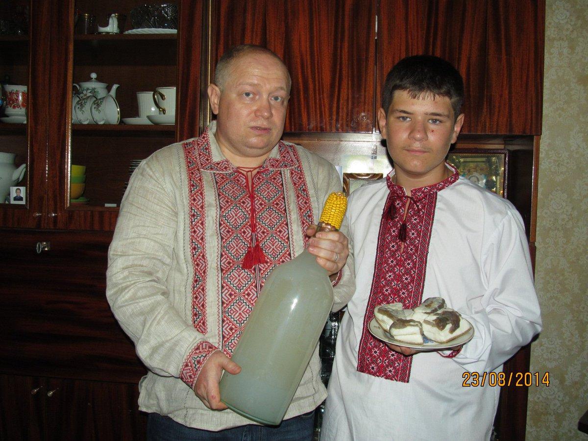 На Лыбидь надели вышиванку на Майдане Незалежности - Цензор.НЕТ 8973