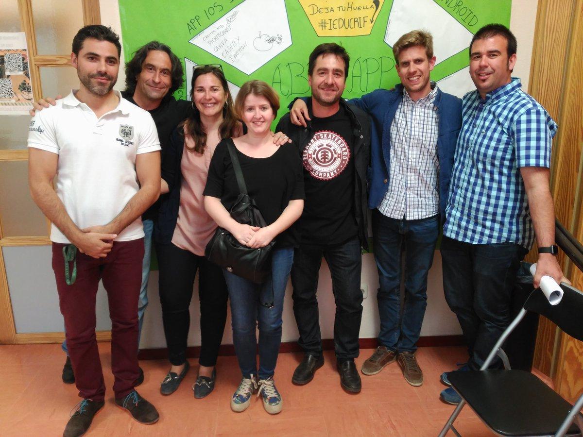 Gracias al equipado de zona Maker #iEDUCRIF @CRIFAcacias https://t.co/blIAaaHyyx
