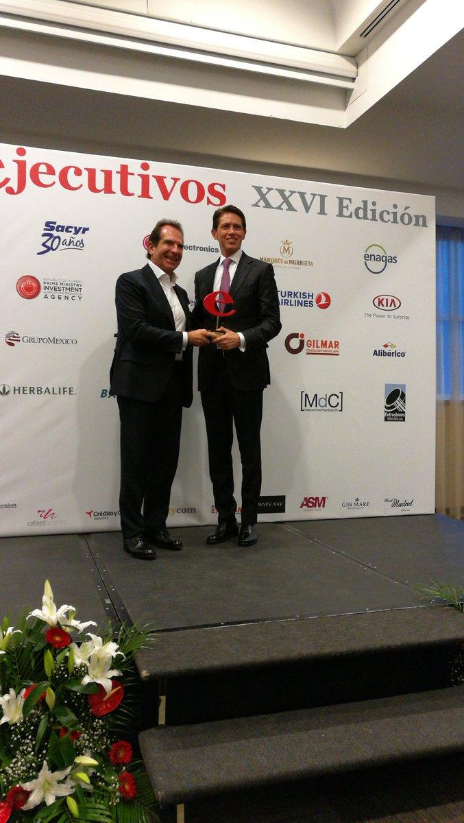 Como proyecto del año el Grupo Mexico recibe de manos de D. Víctor Vargas  @BODoficial el #PremiosEjecutivos https://t.co/N3jeNSCV7L