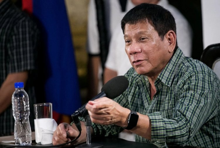 """Just cuz you're a journalist you're not exempted from assassination"" - Philippine president https://t.co/bgi34vqMT4 https://t.co/ufP3OxlaPK"