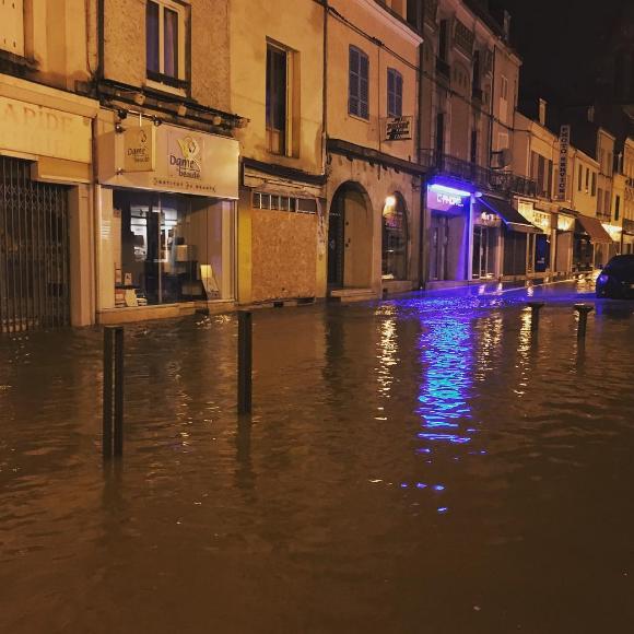 Alerte - Crues et Inondations 2016 Cj18A93WUAAwPAU