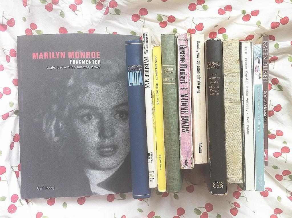 My blog pays homage to Marilyn Monroe and her books here on her 90th birthday today.  I talk about the book Fragmen…