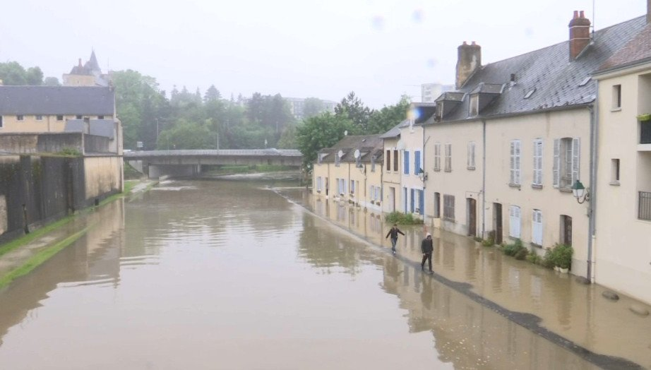 Alerte - Crues et Inondations 2016 Cj2I_j-WEAA_E6q