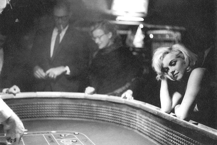 Happy birthday, Marilyn Monroe.  Photo by Eve Arnold, capturing something heavy & heartbreaking that few else did: https://t.co/rhJEkX5246