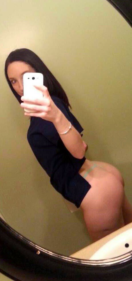 Nude Selfie 5886