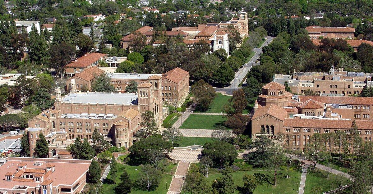 Encerrado en mi despacho de #UCLA tiroteo justo en el edificio en el que estoy .. todo el campus aislado. https://t.co/KkU2YunVkO