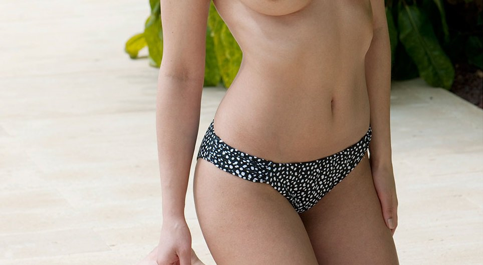 London Page 3 >> Page 3 On Twitter Today S Page3 Girl Is The Sultry Nicola