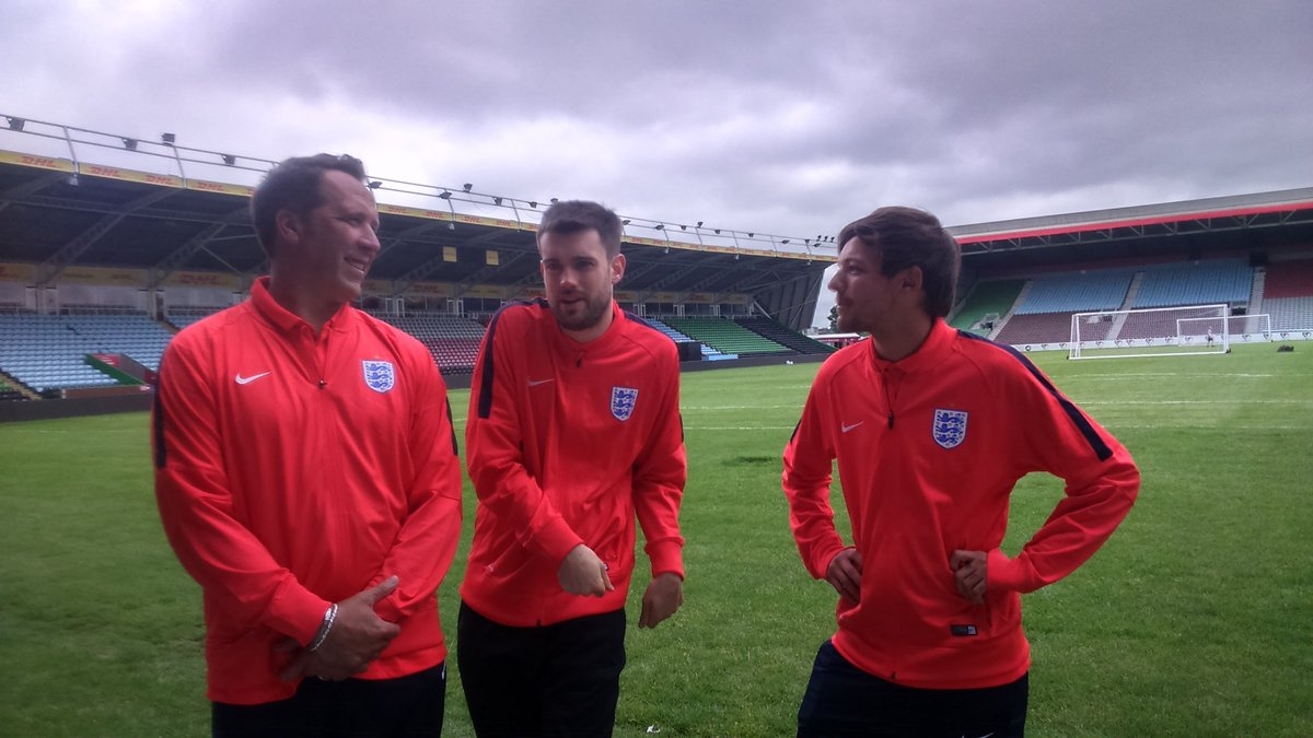 New boyband? @Louis_Tomlinson watches on while @jackwhitehall shows off his moves at #SoccerAid. https://t.co/fceqLZIgjj
