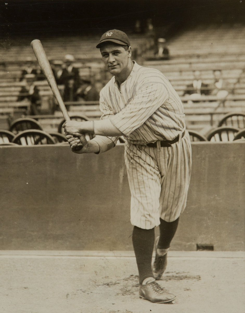 #Yankees great Lou Gehrig died on this day in 1941. He was 37, younger than Alex Rodriguez or Carlos Beltran... https://t.co/FLSqFJ0M71