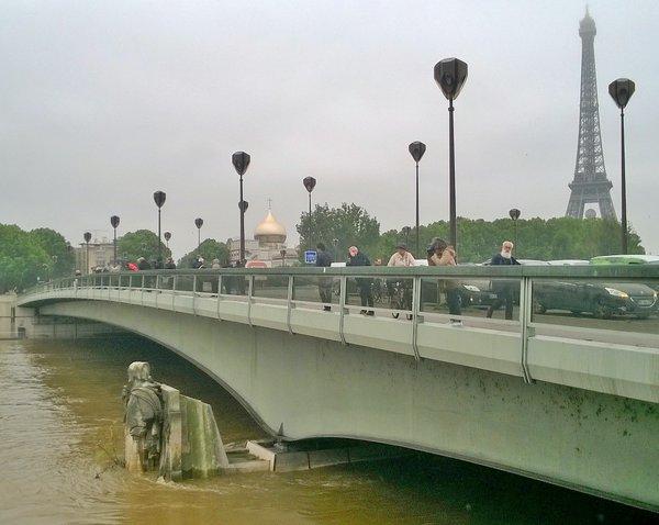 Meteo: Maltempo in Francia Germania Belgio e Versilia, con la piena del Fiume Senna