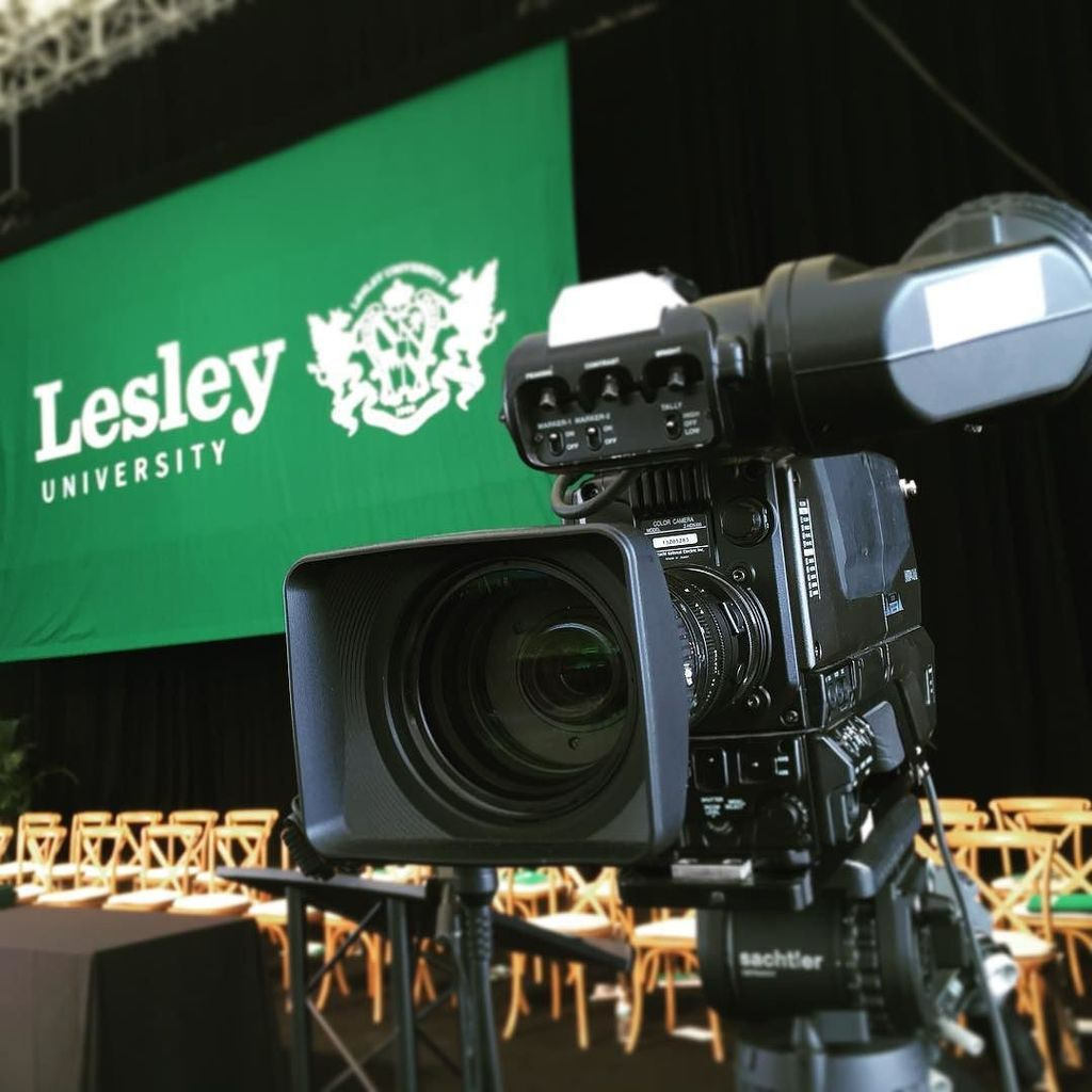 #Commencement at #bluehillbankpavilion continues with #lesley16 #production #hitachi
