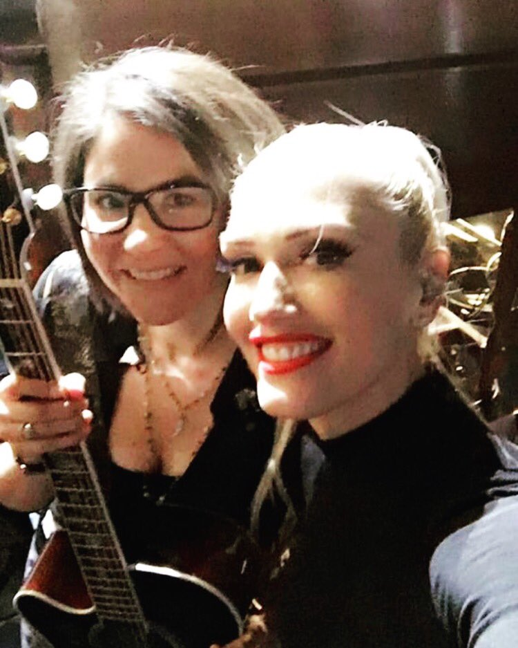 #billboard rehearsals with the lovely @gwenstefani! https://t.co/6Zh2UtQgej