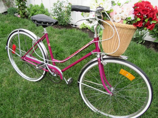 """""""Nothing compares to the simple pleasure of riding a bike."""" We ❤ @RideSchwinn  bicycles!  #vintagemarket https://t.co/1QBWaYJvSR"""