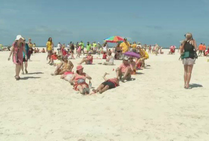 Floridans join 'Hands Across the Sand' to oppose offshore drilling