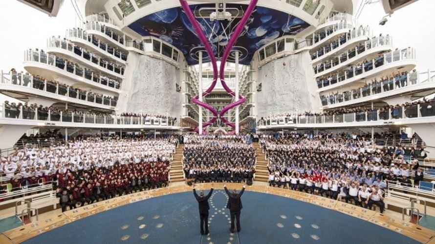 Fotogaleria: Maior cruzeiro do mundo prepara viagem inaugural #Maislidas #JNegocios https://t.co/b1K0aCQndI