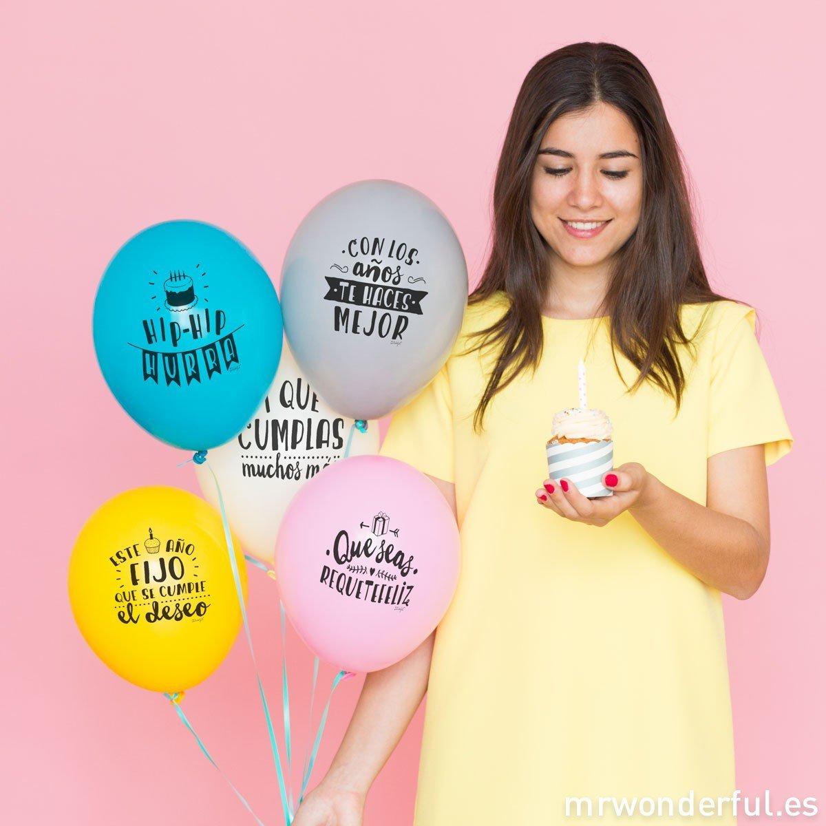 Mensaje de feliz cumpleanos con globos