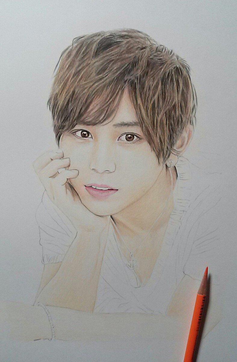 絵の途中\u20262 今はこんな絵を描いています。 Hey!Say!JUMPの、山田涼介くんの予定ですね。 だいぶん雰囲気は出てきたかな\u2026(*^_^*)  pic.twitter.com/pfg6ozlwlg