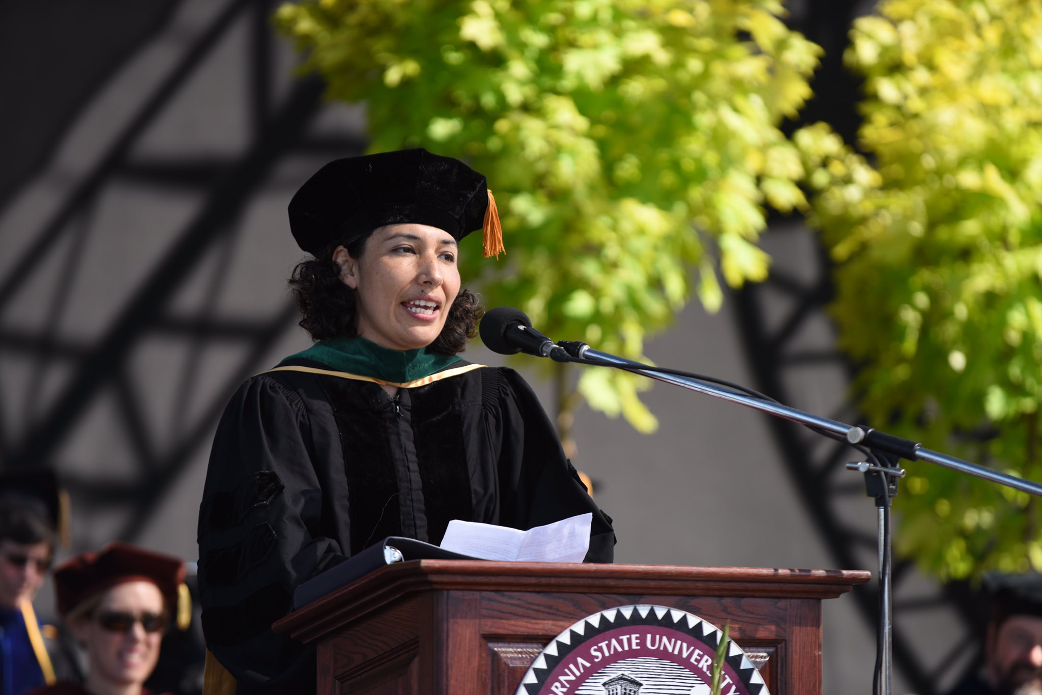 """I agree you can change the world. In fact, I say you have to."" –Teresa Munoz, '02 #Chic02016 https://t.co/phQaOCNIKM"