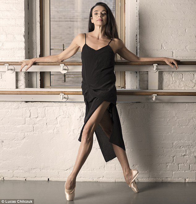 Ballerina Alessandra Ferri on coming out of retirement and playing Juliet at 53 | https://t.co/k1XkEQyup6 https://t.co/eIMsCRauZA