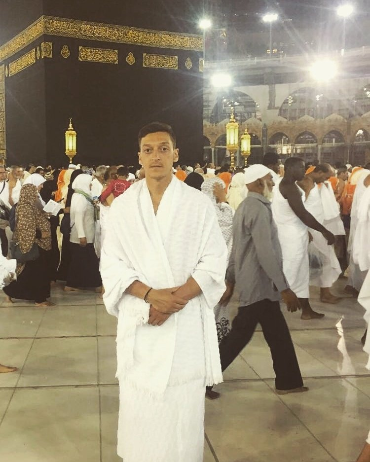 Mesut Özil in Mecca