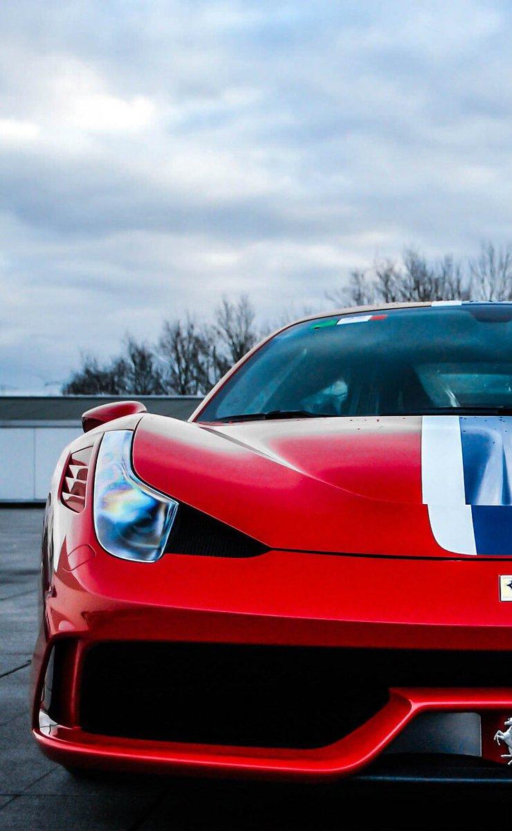 ただの車好き No Twitter Iphone壁紙 保存する人はrtしてください 絶対 Car Ferrari マセラティ 車好きな人rt