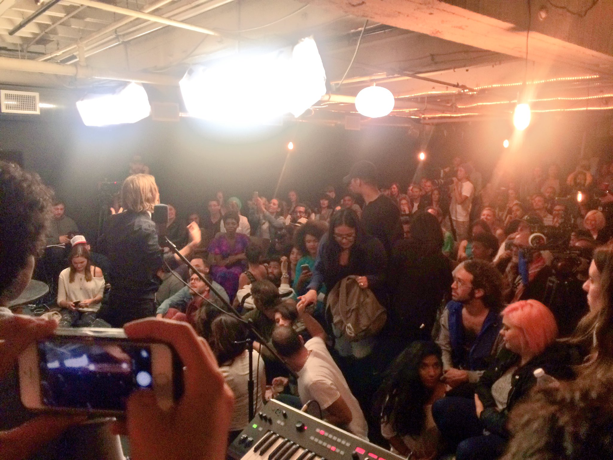 RT @wendycarrillo: wow!! Packed house! @mypeoplestv 3rd show! We're about to go live https://t.co/3MtzcZteZf #mypeoplestv https://t.co/8cP7…