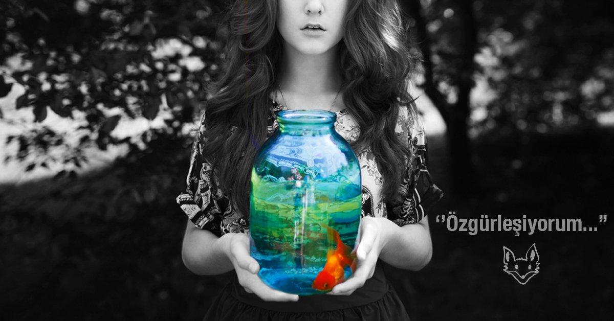 ''Yalnız bir yosundum küf kokulu bir kayanın altında, özgürleşiyorum…''  #ÖlümeFısıldayanAdam geliyor! #BüşraYılmaz https://t.co/YV9ONmxaQ8