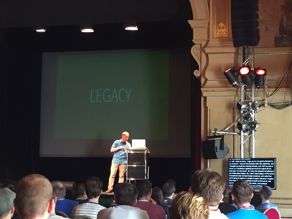 The live captioning at #UIKonf is pretty cool 👍 https://t.co/DyJjZ2t1K3