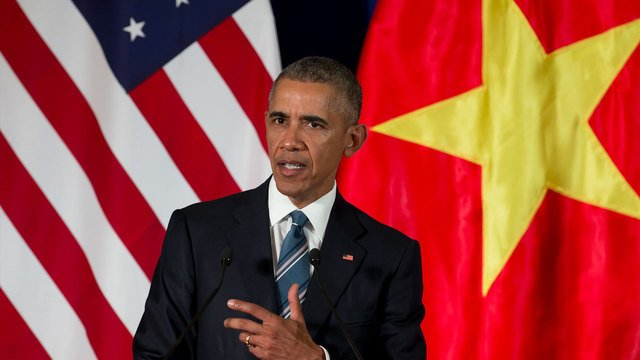 Obama ends arms export embargo on Vietnam