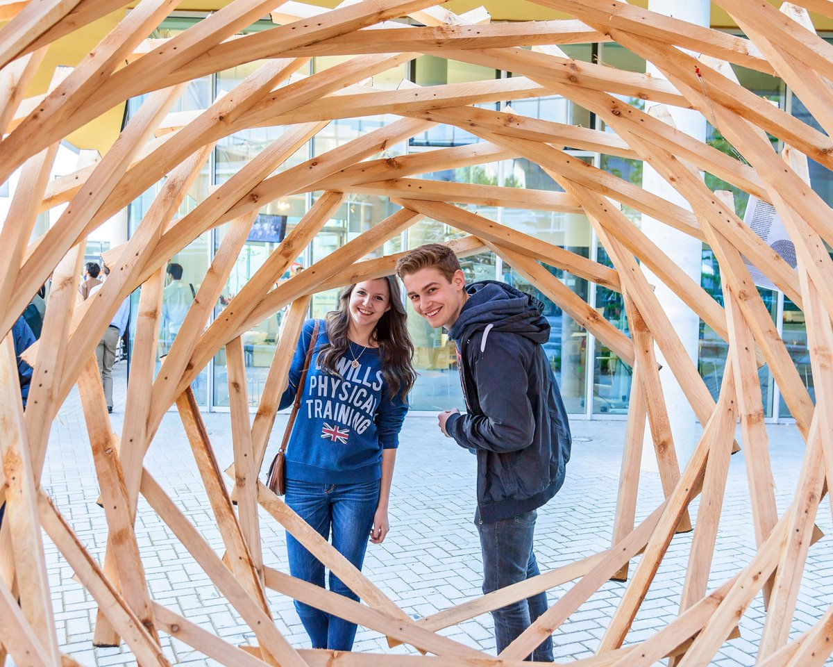 Portsmouth is on the up! We've jumped another 6 places in the @guardian university league tables published today. https://t.co/PGOciPjlIu