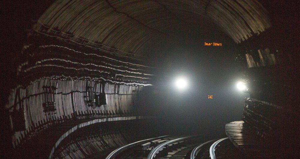 CjJlIG7XEAE0sro - Runaway tube trains #2