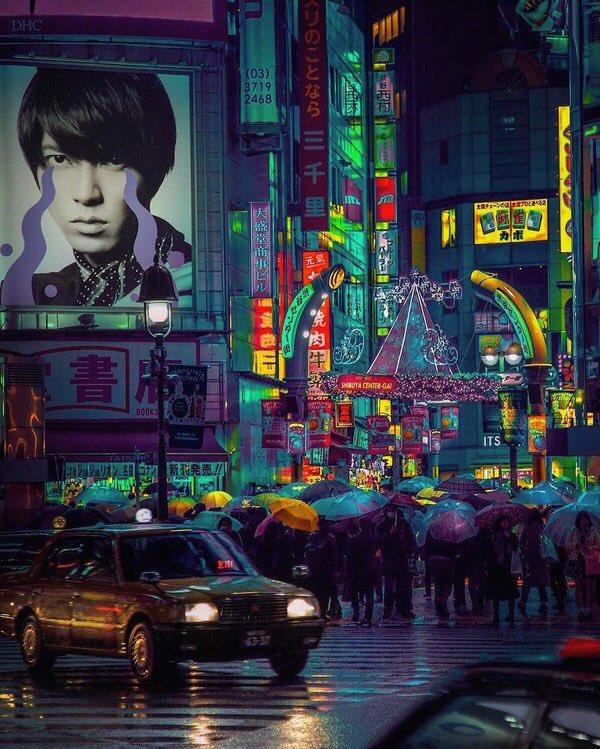 東京の街並みの色調を変えた写真が異世界っぽくてカッコいい!