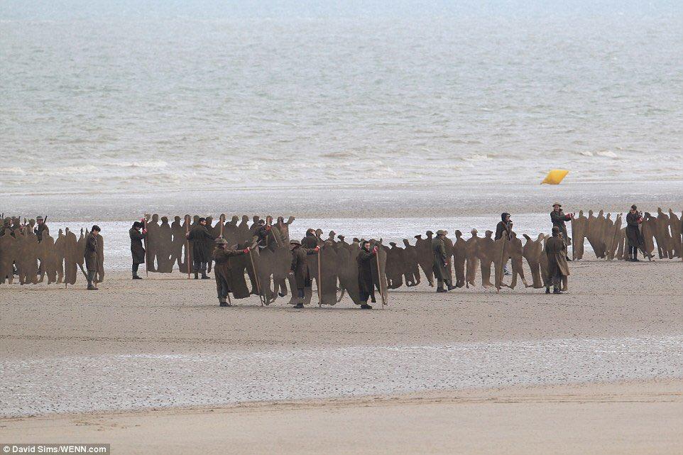 Christopher Nolan's Dunkirk Set Photos 11